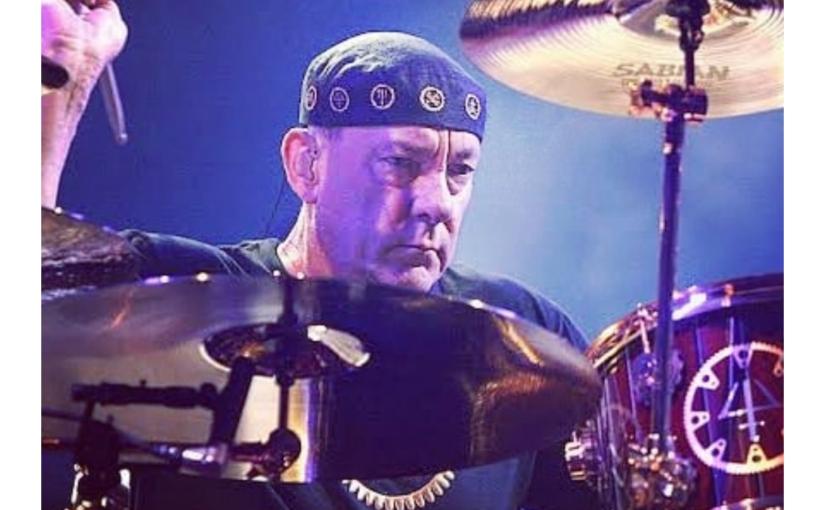 Morre Neil Peart, lendário baterista da bandaRush!